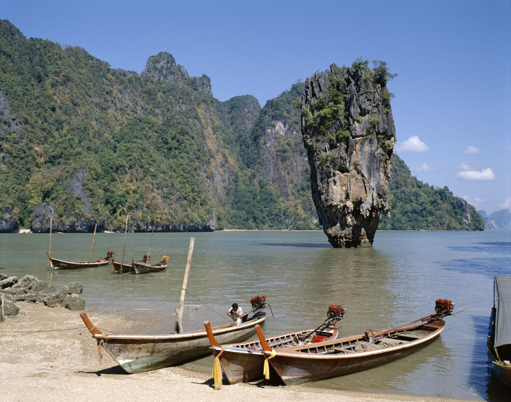 Stock Photo: 442-7213 Boats on the beach, James Bond Island, Phangnga Bay, Phuket, Thailand