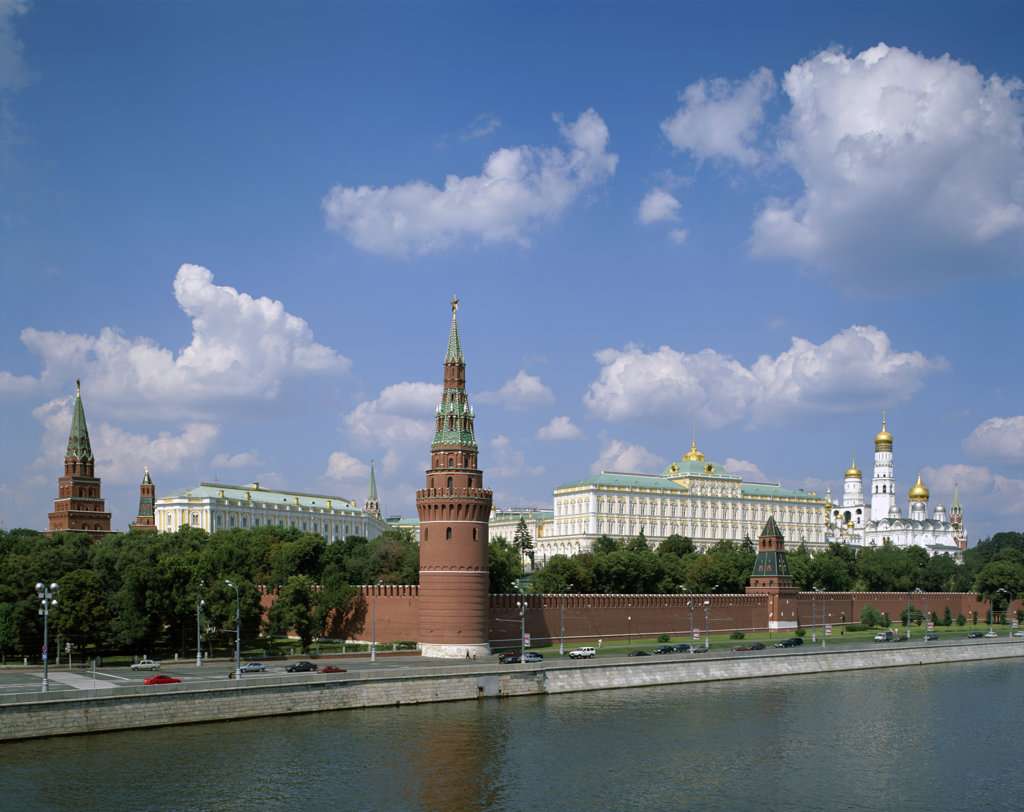 Stock Photo: 442-7535 Kremlin on the Moscow River, Moscow, Russia
