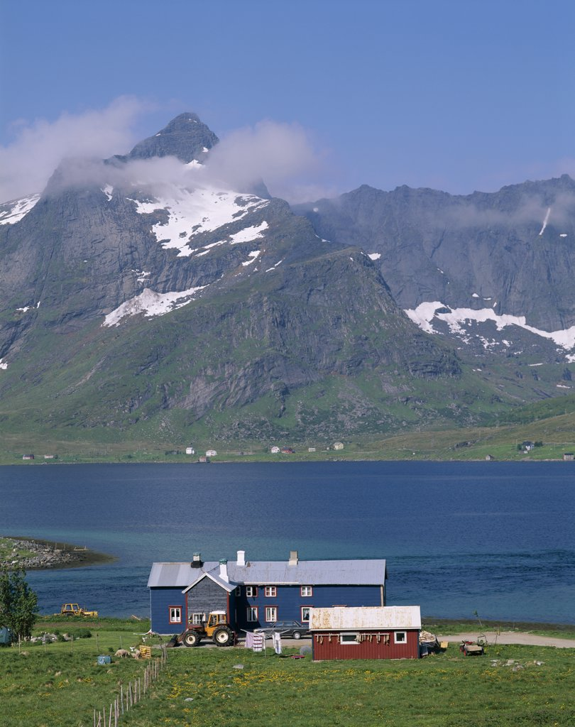 Stock Photo: 442-7642 Farmhouse, Sea, Mountains, Stromness, Lofoten Islands, Norway