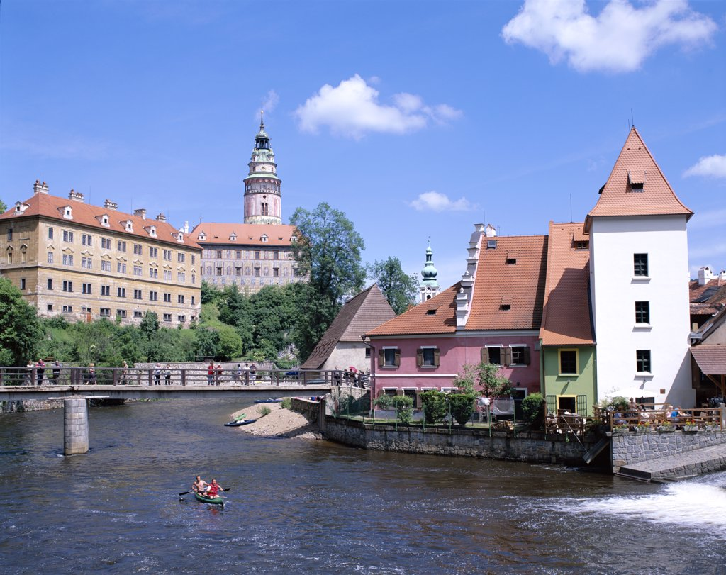 Buildings on the banks of the Vltava River, Cesky Krumlov, South Bohemia, Czech Republic : Stock Photo