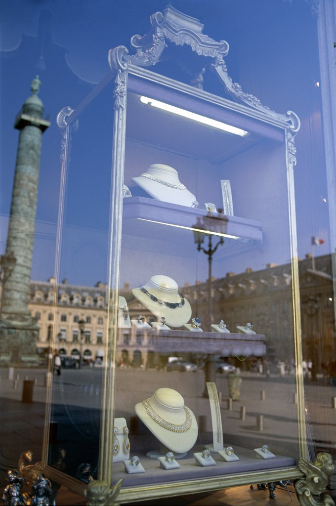 Stock Photo: 442-8227 Window of a jewelry store, Place Vendome, Paris, France