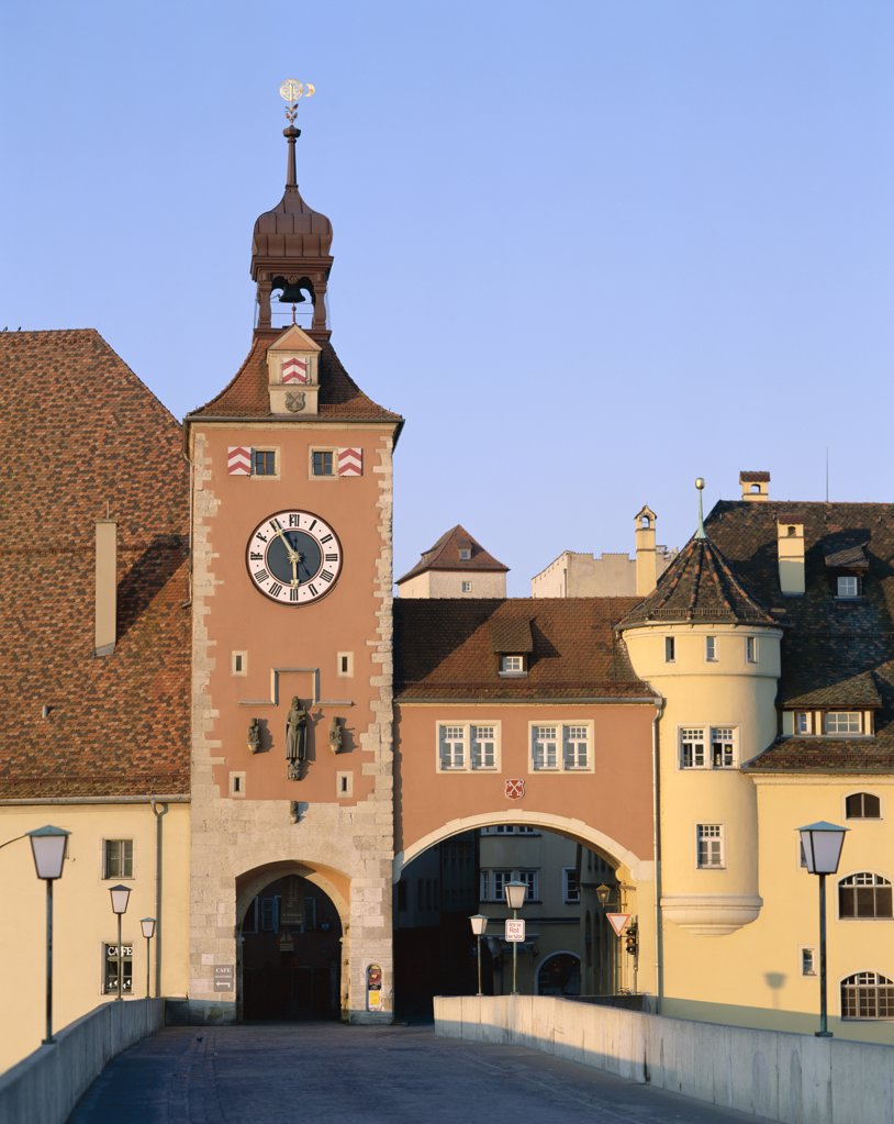 Stock Photo: 442-8670 Clock Tower and Stone Bridge (Steinere Brucke), Regensburg, Lower Bavaria, Bavaria, Germany