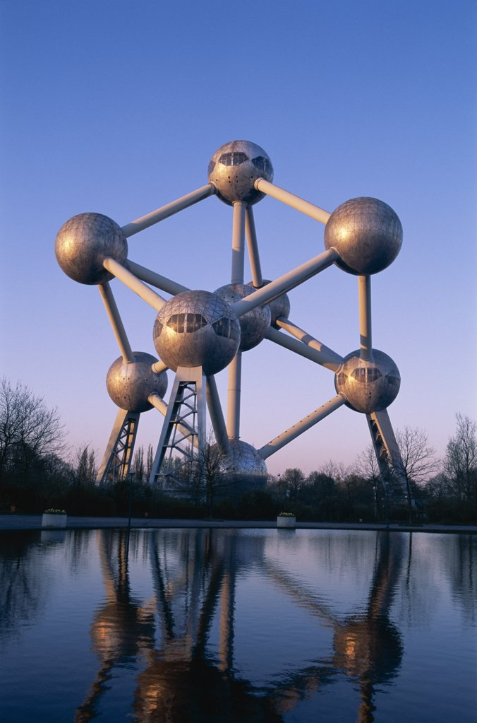Stock Photo: 442-8832 Reflection of a monument in water, Atomium, Brussels, Belgium