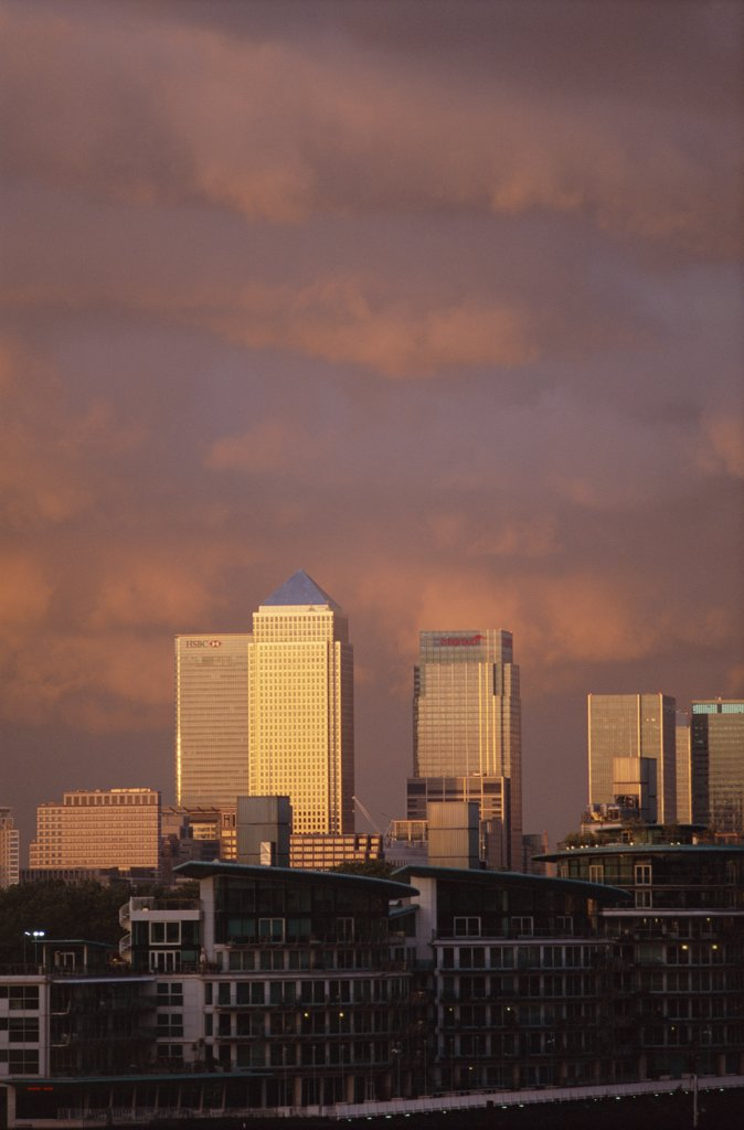 Stock Photo: 442-9561 Buildings along Canary Wharf, Docklands, London, England