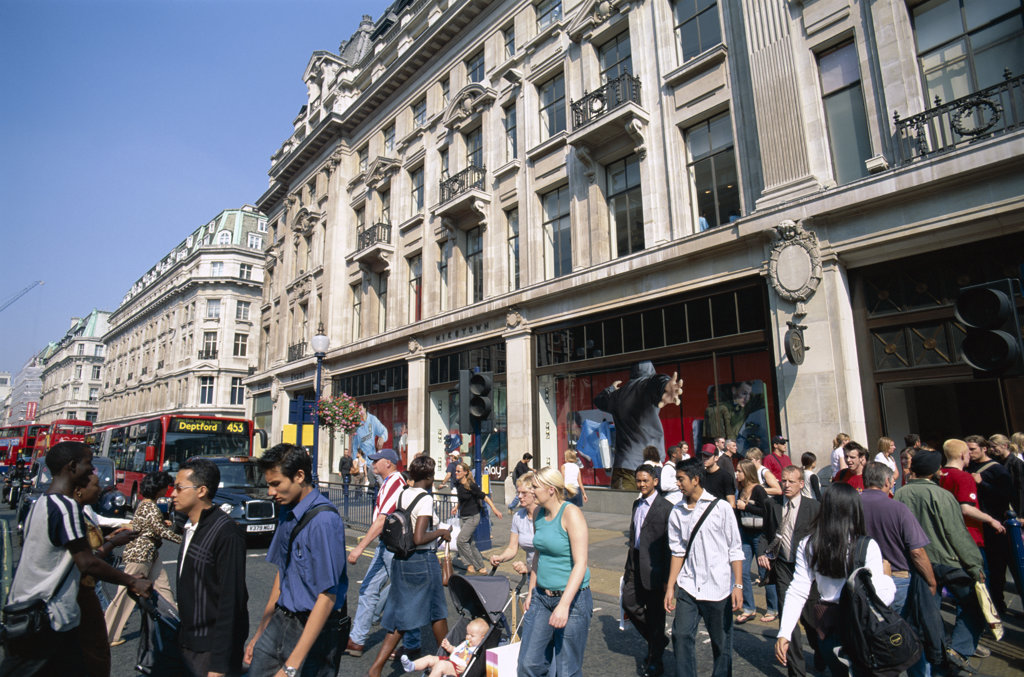 Stock Photo: 442-9605 People on Oxford Street, London, England