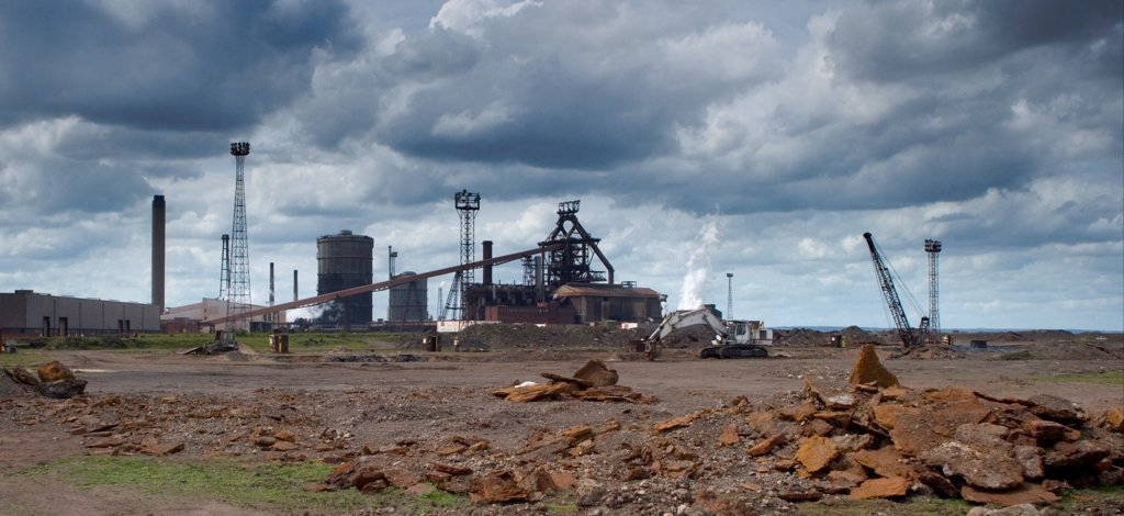 Blast furnace at steelworks, Teesside Steelworks, Redcar, Redcar and Cleveland, Teesside, North Yorkshire, England, may : Stock Photo