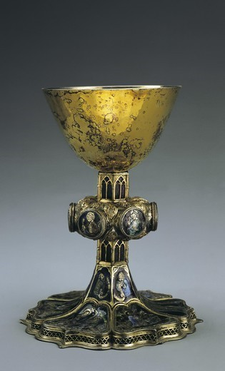 Stock Photo: 4435-4367 Silver gilded chalice with enamels. French school (14th - 15th c.). Gothic art. Jewelry. SPAIN. MADRID (AUTONOMOUS COMMUNITY). Madrid. National Museum of Archaeology. Proc: FRANCE. ALSACE. BAS-RHIN. Strasbourg.