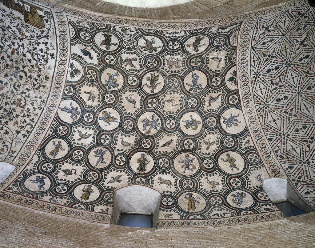 Birds & Putti Roman Art Mausoleo di Costanza, Rome, Italy : Stock Photo