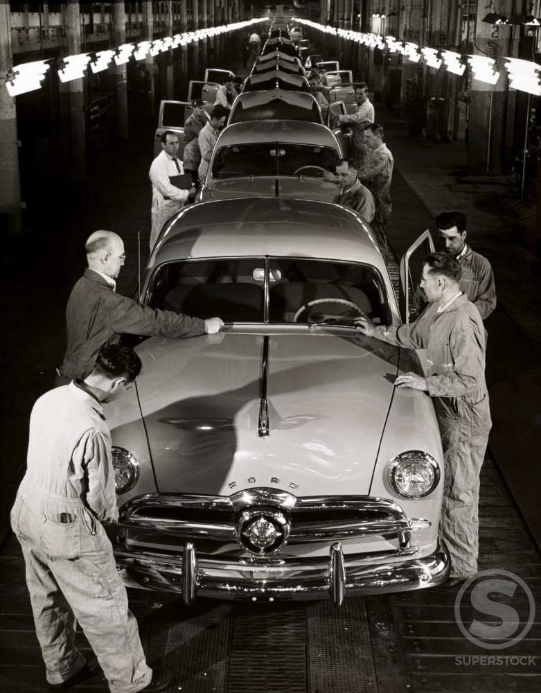 Stock Photo: 486-148 Automobile assembly line