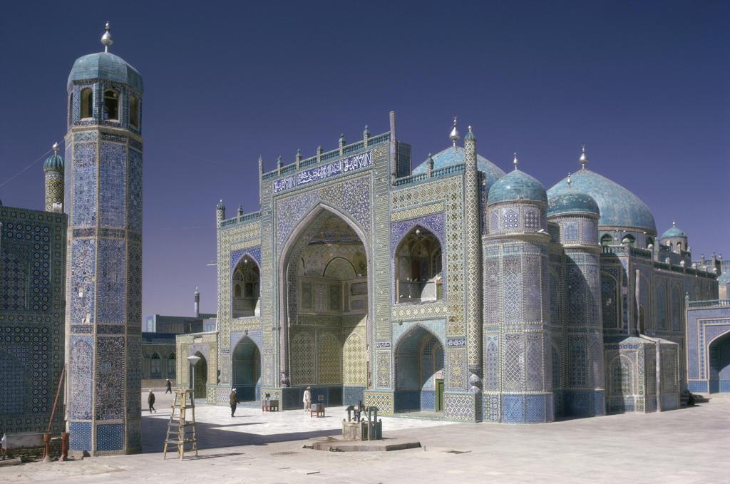 Stock Photo: 53-1984 Blue Mosque Mazar-i-Sharif Afghanistan