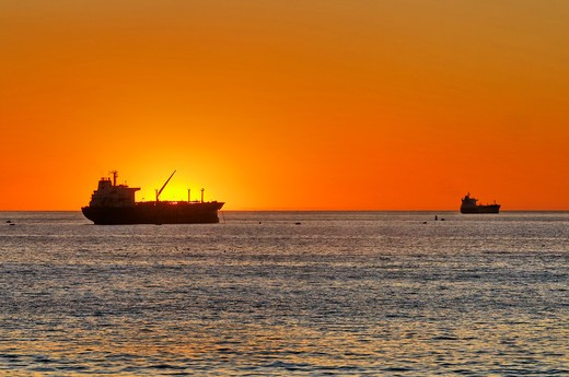 Stock Photo: 618-366 USA, California, Los Angeles, Westchester, Dockweiler Beach, Oil tankers at sunset