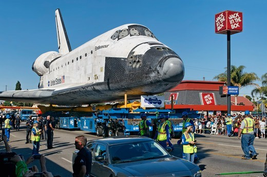 Stock Photo: 618-563 USA, California, Los Angeles, Space shuttle Endeavour being towed