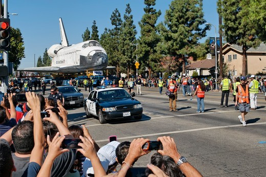 Stock Photo: 618-567 USA, California, Los Angeles, Space shuttle Endeavour being towed
