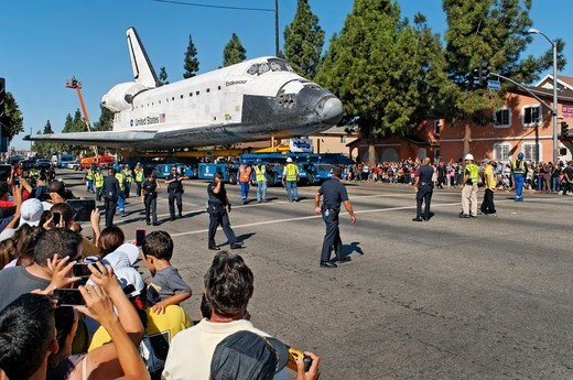 Stock Photo: 618-569 USA, California, Los Angeles, Space shuttle Endeavour being towed