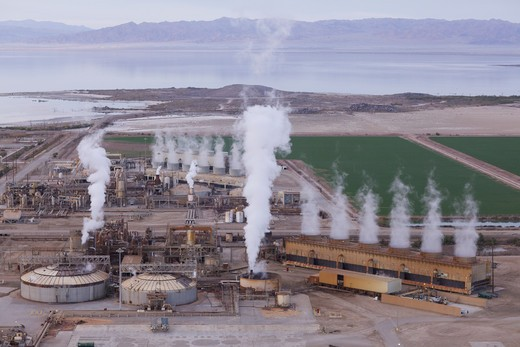 Stock Photo: 620-2941 Smoke emerging from a power plant, Geothermal Power Station, Salton Sea, Imperail Valley, California, USA