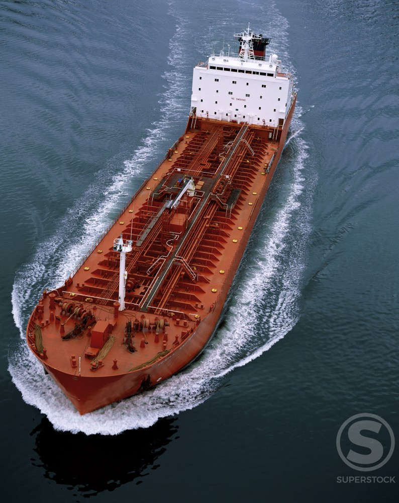 Stock Photo: 633-119 Oil tanker sailing in the sea