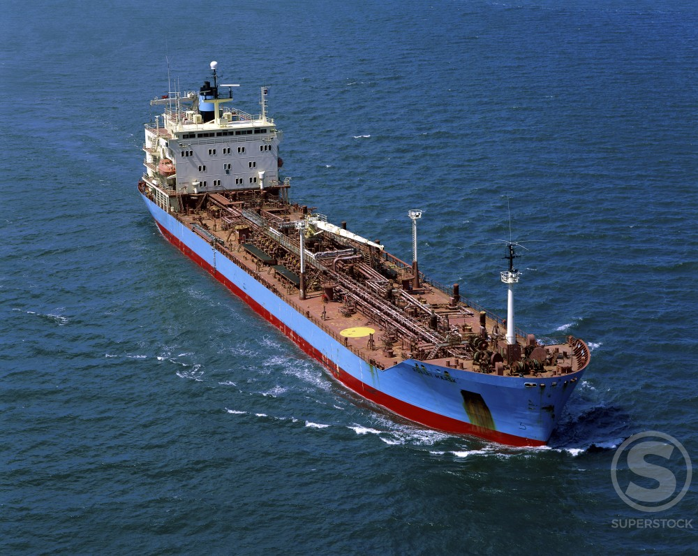 Stock Photo: 633-120 Oil Tanker