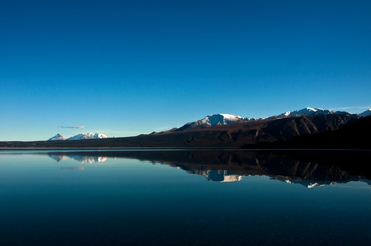 Stock Photo: 647-2452 Reflection of Kluane National Park mountains in lake. Canada