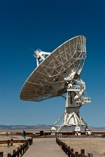 Stock Photo: 647-2533 Radio Telescope, Very Large Array, National Radio Astronomy Observatory, Socorro, New Mexico, USA