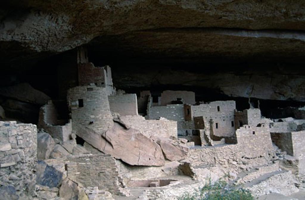 Stock Photo: 647-359 USA,  Colorado,  Mesa Verde National Park,  Cliff Palace