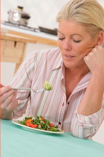 Stock Photo: 824-106738 ANOREXIA IN AN ELDERLY PERSON. ANOREXIA IN AN ELDERLY PERSON Model.