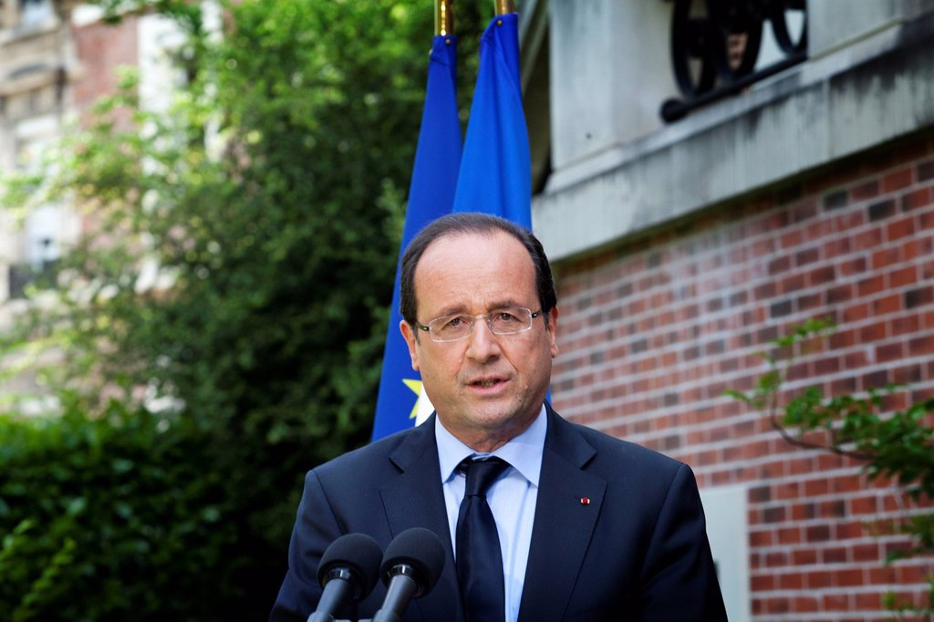 Stock Photo: 824-115363 FRANCOIS HOLLANDE. François Hollande, President of France, launches debate on end of life during a visit of the nursing home Notre Dame du Lac in Rueil_Malmaison.