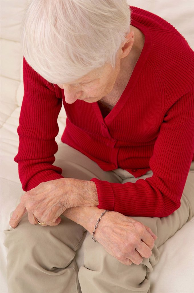 Stock Photo: 824-119762 WEARY ELDERLY PERSON