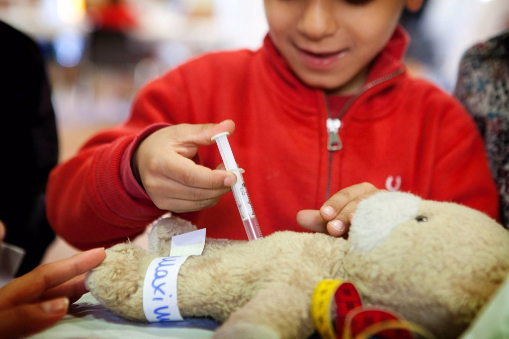 "Stock Photo: 824-12132 TEDDY BEAR HOSPITAL. Contact us before promotional use. Photo essay at the Teddy Bear Hospital of Limoges in France. The ""Teddy Bear Hospital"" is a public health project for 3_6 year old children. The aim is to take children's fear of physicians and hospitals. Besides it is also a good opportunity for medical students to work with children. In France this program is organized by the student association ANEMF."