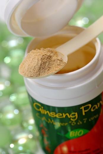 Stock Photo: 824-19610 GINSENG. GINSENG Organic ginseng in powder 7 years of age.