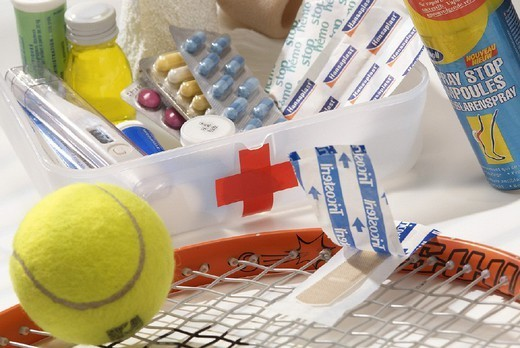 Stock Photo: 824-19914 EMERGENCY AID CASE