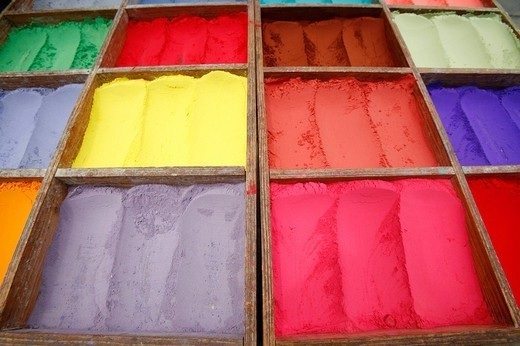 Stock Photo: 824-23796 PIGMENT. Pigments in powder destined to different usages : cosmetics, tint. Market of Kathmandu, Nepal.