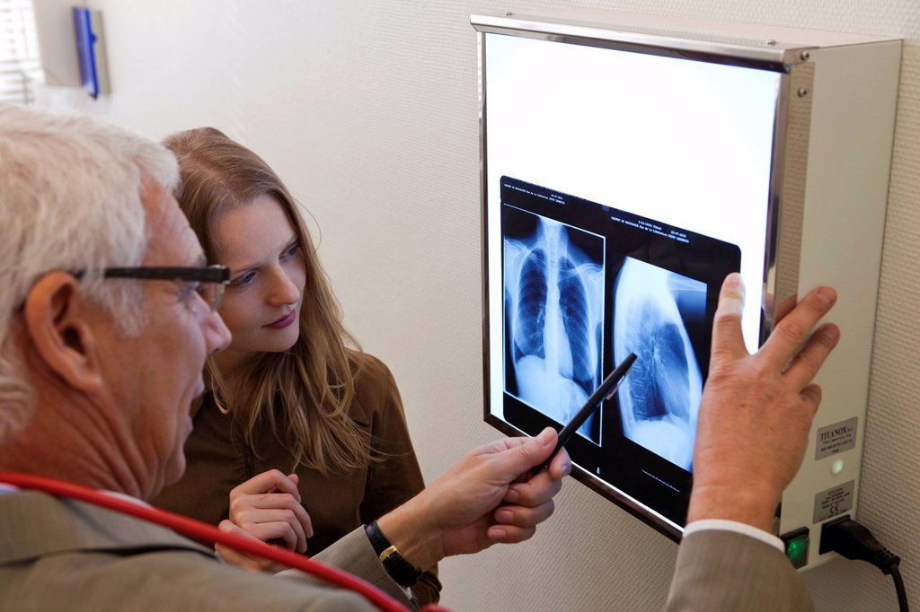 PNEUMOLOGY CONSULTATION. Chest xray. : Stock Photo
