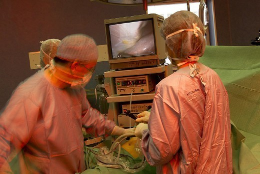 ENDOSCOPIC SURGERY. ENDOSCOPIC SURGERY Photo essay. Chatellerault Hospital (Camille Guérin Hospital) in the French department of Vienne. Laparoscopic insertion of a gastric ring. : Stock Photo