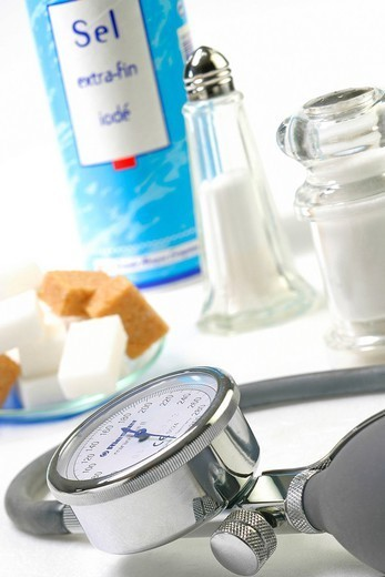 HIGH BLOOD PRESSURE. Link between high blood pressure and food : sugar diabetes, stoutness as well as a too salty food favor high blood pressure. : Stock Photo