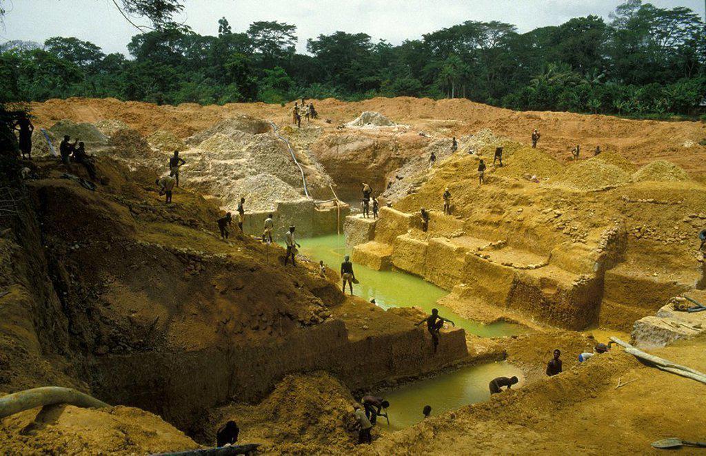 Stock Photo: 824-33801 DIAMOND MINE. DIAMOND MINE Diamond mine, Sierra Leone, Africa.