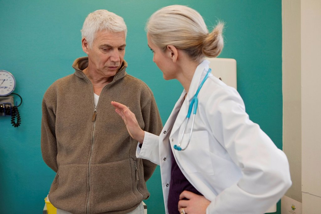 Stock Photo: 824-34410 ELDERLY P. CONSULTING, DIALOGUE