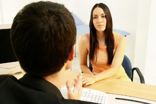 Stock Photo: 824-40594 WOMAN IN CONSULTATION, DIALOGUE. WOMAN IN CONSULTATION, DIALOGUE Models.