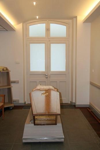 MORTUARY ROOM. Photo essay. Pitié_Salpêtrière Hospital. Mortuary room. : Stock Photo