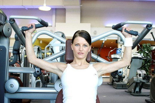 Stock Photo: 824-48410 MUSCLE-BUILDING. MUSCLE-BUILDING Worldwide distribution except for United Kingdom and Germany.
