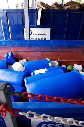 Stock Photo: 824-49285 WASTE SORTING. Photo essay in the factory Lea Nature which makes natural and organic produts food supplements, cosmetics, organic food. Trash sorting.