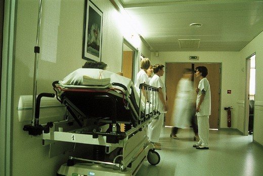 Stock Photo: 824-55304 HOSPITAL TEAM. HOSPITAL TEAM Emergency room. Chatellerault Hospital (Camille Guérin Hospital) in the French department of Vienne.