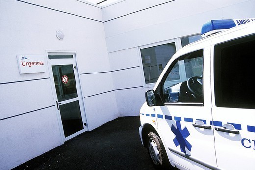EMERGENCY TRANSPORTATION. Photo essay. Chatellerault Hospital Camille Guérin Hospital in the French department of Vienne. : Stock Photo