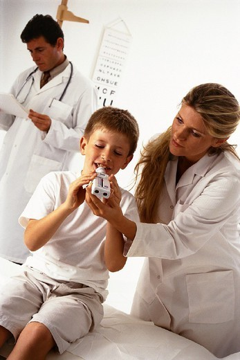 Stock Photo: 824-63964 BREATHING, SPIROMETRY IN A CHILD. BREATHING, SPIROMETRY IN A CHILD Models.