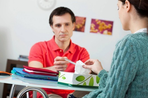 Stock Photo: 824-67261 WOMAN IN CONSULTATION, DIALOGUE. Models.