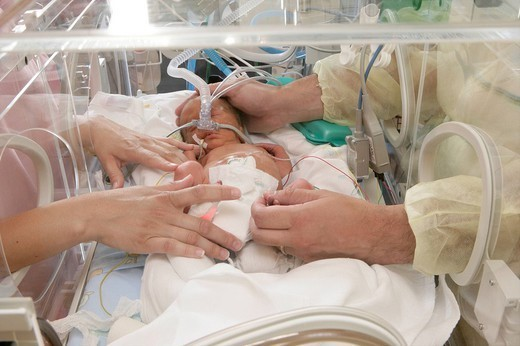 PREMATURE BABY. PREMATURE BABY Photo essay at the hospital of Meaux 77, France. Department of neonatal resuscitation. : Stock Photo