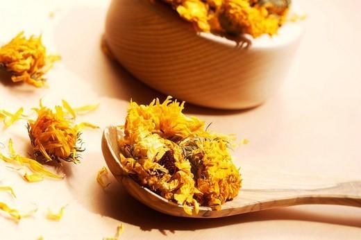 POT MARIGOLD. POT MARIGOLD Dried flowers of pot marigold Calendula officinalis. : Stock Photo