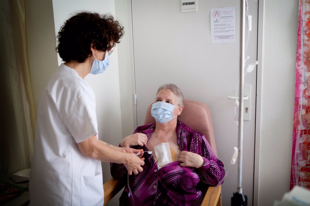 Stock Photo: 824-89965 AMBULATORY CHEMOTHERAPY