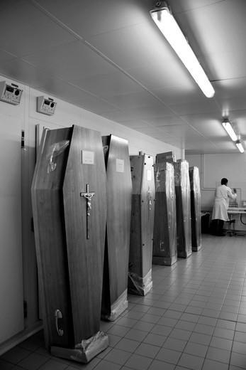 MORTUARY ROOM. Photo essay from Pitié_Salpêtrière Hospital, Paris 75, France. : Stock Photo