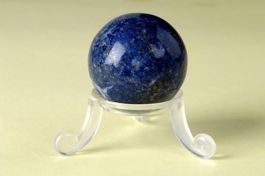 Stock Photo: 824-95435 LAPIS LAZULI. Worldwide distribution except for United Kingdom and Germany. Lapis lazuli.