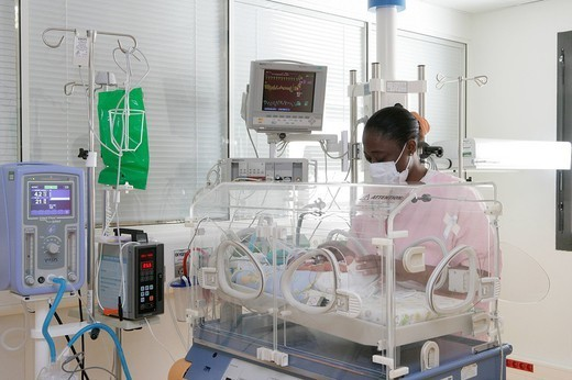 NEONATOLOGY. NEONATOLOGY Photo essay at the hospital of Meaux 77, France. Department of neonatal resuscitation. Doctor´s visit close to a premature baby. : Stock Photo